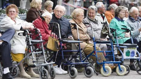 ouderen, bejaarden, Drum-happening voor ouderen