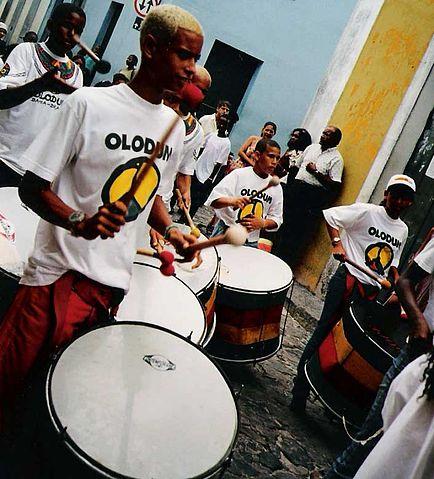 surdo-surdos-olodum-drums-brasil