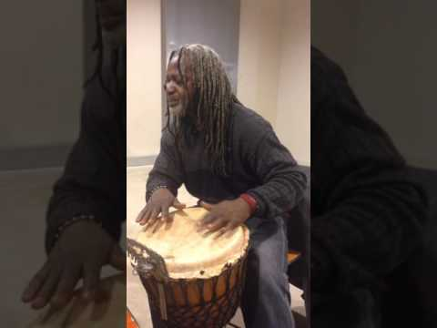Carlo Hoop Percussionist djembe