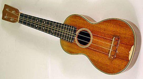 ukulele of ukelele