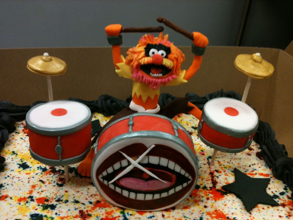 animal drummer muppet cake